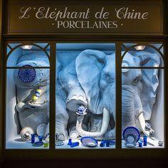 Hermès expositie 'Wanderland' in Londen (april Lulu Love, Saatchi Gallery, Retail Windows, Wallpaper Magazine, Shop Till You Drop, Window Design, Visual Merchandising, Spirit Animal, Floral Design