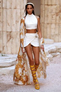 Shannon Malnicof / Clothing inspired by ancient Greeks. Ancient Greece Clothing, Ancient Greek Dress, Ancient Greece Fashion, Greek Inspired Fashion, Greece Costume, Rome Fashion, Greece Outfit, Rome Antique, Greek Clothing