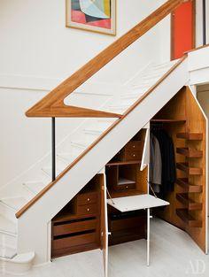 via heavywait - modern design architecture interior design home decor & Space Saving Staircase, Staircase Storage, Ceiling Storage, Staircase Makeover, Interior Architecture, Interior Design, Space Gallery, Modern Door, House Stairs