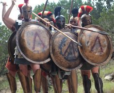 Spartan Phalanx formation, Hot Gates, Thermopylae 480 BC, Blood of a King film shoot Ancient Greek Clothing, Greek Helmet, Ancient Armor, Greek Warrior, Fantasy Armor, Ancient Greece, Military History, Ancient History, Medieval