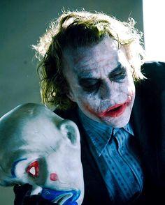 Who remembers this chic moment? Joker Film, Joker Dc, Joker And Harley Quinn, Joker 2008, Joker Iphone Wallpaper, Joker Images, Heath Ledger Joker, Batman Artwork, Best Villains