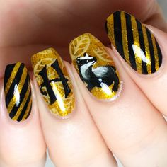 Harry Potter Nails Designs, Harry Potter Makeup, Harry Potter Nail Art, Harry Potter Cosplay, Cute Harry Potter, Harry Potter Jokes, Harry Potter Pictures, Harry Potter Characters, Cute Acrylic Nails