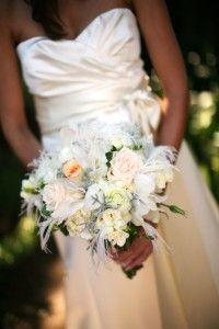 White rose and white feather bouquet Feather Bouquet, Wedding Designs, Wedding Ideas, Spring Wedding Flowers, Flowers For You, White Feathers, Santa Barbara, White Roses, Special Day