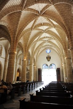 Catedral de santo domingo, la primer catedral del nuevo mundo. I wish i could get married here!