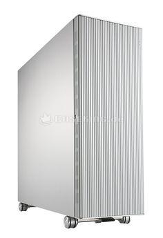 Lian Li PC-V2120A Big-Tower in silber. Wer ein unverwechselbares Design als zentrales Selektionskriterium heranzieht, wird zwangsläufig beim PC-888 landen - einem blauen Kunstwerk im Stile des Burj al Arab. Am genau entgegen gesetzten Punkt setzt der PC-V2120 Tower an, denn dieser bietet Funktionalität in Reinkultur. Irgendwo dazwischen ordnet sich schließlich noch das PC-X2000(F) ein. Es gibt somit nicht ein sondern drei beste Gehäuse der Welt.