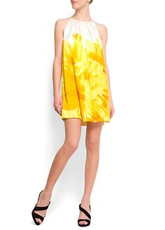 Been in a very yellow mood lately. Love this dress. Versatile w/ or w/o belt and accessories. Cute!