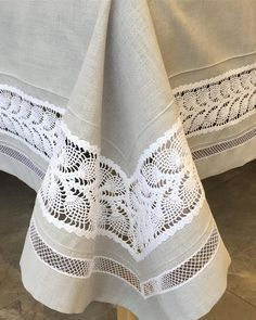 Burlap Tablecloth, Crochet Tablecloth, Tablecloths, Crochet Lace Edging, Filet Crochet, Wholesale Home Decor, Lace Table Runners, Boho Home, Linen Towels