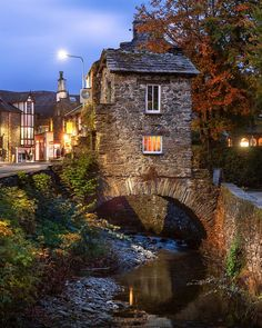 Photos Of Britain ( this tiny stone cottage in the Cumbria, Ambleside Lake District, Beautiful Buildings, Beautiful Places, Cool Places To Visit, Places To Travel, Beau Site, Stone Cottages, English Village