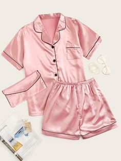 Shop Contrast Binding Satin Pajama Set With Purse at ROMWE, discover more fashion styles online. Camo Lingerie, Lingerie Outfits, Women Lingerie, Purple Lingerie, Cute Pajama Sets, Cute Pjs, Pj Sets, Satin Pyjama Set, Satin Pajamas