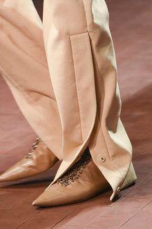 Jil Sander D Jil Sander, Urban Fashion, High Fashion, Markova, Fashion Details, Fashion Design, Pants For Women, Clothes For Women, Casual Dresses