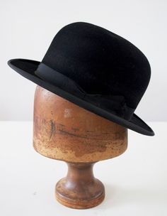 3f9291b0f16 Vintage BLACK BOWLER HATS Failsworth Made in England. Black Bowler Hat