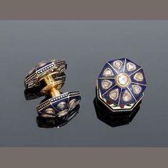 A pair Indian diamond-set and enamelled gold Cufflinks (2)