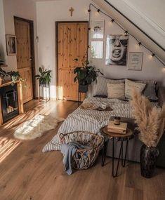 Room Ideas Bedroom, Home Bedroom, Bedroom Inspo, Fall Bedroom, Bedroom Table, Kids Bedroom, Master Bedroom, Dream Rooms, Dream Bedroom