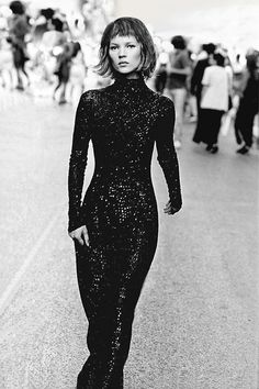 Kate Moss shows off exactly how to pull of sequins. Check out this how-to on how to achieve the look: