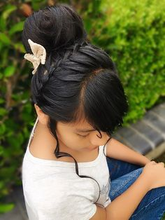 By @PrettyHStyle3029 #hairstyle #braid #peinado #bun #trenza