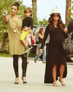 she's the cutest prego woman ever, i just love her style <3