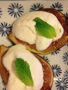 I can lick the screen! I made these delish grilled figs with lemon ricotta, words cannot describe the deliciousness!
