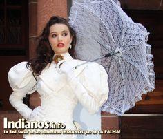 Sirelis una belleza indiana reportaje primera edicion de El Indiano Reportaje Indianos 2012  (Magazine de www.indianos.info) Vestuario Marisol Pais