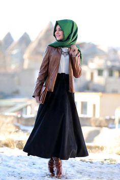 Pınar Şems kadife etek 2016 Islamic Fashion, Muslim Fashion, Modest Fashion, Hijab Fashion, Fashion Dresses, Hijab Dress, Hijab Outfit, Street Hijab, Kurta Designs Women