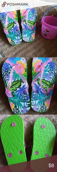 Little Girls' Flip Flops Green, Blue & Pink! Every little girls favorite colors! New!  Great for the pool, beach, or just accessorizing her favorite summer outfit!  3 pair available, Non smoking home. Sizes: 3 pr of S:13/1, and 4 pair XS: 11/12 Mambo Shoes