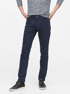 Shop our collection of men's chinos and casual pants in various fits and sizes from Banana Republic. These chinos are versatile pieces that are great for both business and pleasure. Business Casual Attire For Men, Men Casual, Casual Summer Outfits, Casual Pants, Library Photo Shoot, Navy Chinos, Mens Chino Pants, Travel Pants, Women Empowerment