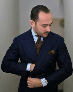 "sartoria-dalcuore: ""Suit double-breasted bespoke handmade Thanks Double Breasted Suit Men, Outfit Man, Mode Costume, Slim Suit, Party Suits, Suit And Tie, Gentleman Style, Suit Fashion, Mens Suits"