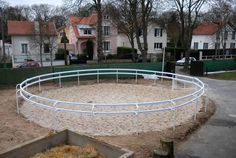I'm going to make this round pen for the horses! It will save me a ton of money!