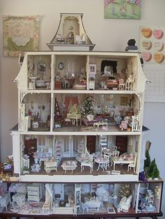 Lindas Miniature Musings: shabby (jt-French Chateau interior - go through for lots of pics)