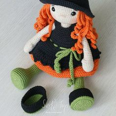 Crochet Baby Socks, Crochet Toys, Halloween Crochet, Amigurumi Toys, Lana, American Girl, Halloween Decorations, Knitting Patterns, Dolls
