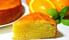 Bizcocho de naranja sin huevos, aromatizado con agua de azahar, una receta deliciosa ideal para alérgicos o intolerantes a este alimento
