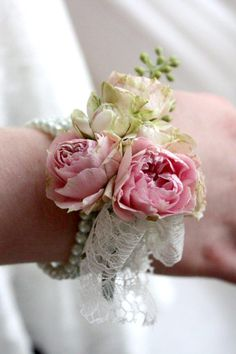 Vintage look wrist corsage with lace