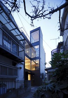 Alley House by Apollo Architects & Associates, Tokyo, Japan