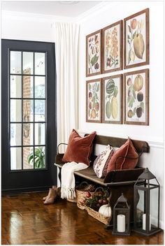 Beautiful Entryway Ideas on a budget! Whether it's a grand house or a tiny nook by the door, your home's entry is the first thing visitors see when they step inside your house and the sight that welcomes you home every day. So make it a good one! Here are some affordable contemporary entryway ideas.   #StyleAtHome #LargeRoundMirror #CircularMirror #LargeMirrorDecor #LargeMirrors #HomeDecorMirrors #VanityDecor #RoundWallMirror #RoundMirrors Fall Entryway Decor, Entrance Decor, House Entrance, Modern Entryway, Entryway Ideas, Table Sofa, Console Table, Living Room Scandinavian, Foyer Decorating