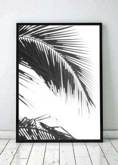 Printable wall art from The printable concept. Loving this palm tree printable poster ❤️