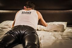 In my black leathers. Mens Leather Trousers, Tight Leather Pants, Biker Leather, Leather Blazer, Leather Boots, Black Leather, Leder Outfits, Comfy Pants, Leather Fashion