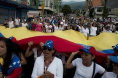 Quedan libres fotoperiodista italiana, venezolano y más detenidos en Caracas