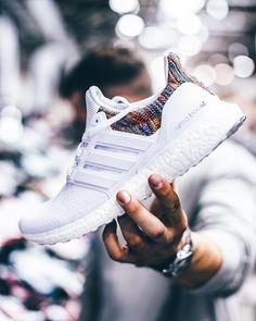 Je veux cette chaussure Adidas Ultra Boost Men, Adidas Boost, Ultra Boost Women, Addidas Sneakers, Adidas Shoes Men, Shoes Sneakers, Adidas Fashion, Sneakers Fashion, Men Fashion