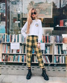 21 Easy Summer Streetwear for You to Look Fashionable Outfit Outfit Fashion Guys, Fashion Outfits, Fashion Fashion, Fashion Bella, Preteen Fashion, Fashion 2018, High Fashion, Fashion Ideas, Fashion Design