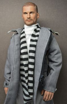 Hot Toys Boys or FR ? Not sure, but he is hot, hot, hot and look at the fashions.