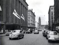 Keskuskadulla ajoivat ennen autot.