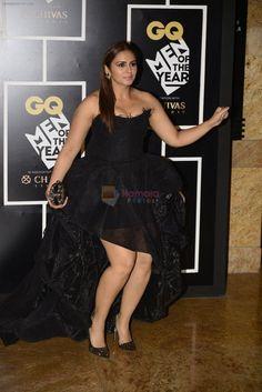 Huma Qureshi snapped in Bandra on Nov 2016 Bollywood Actress Hot Photos, Indian Actress Hot Pics, Indian Bollywood Actress, Bollywood Girls, Beautiful Bollywood Actress, Indian Actresses, Hot Actresses, Bollywood Fashion, Hollywood Actresses