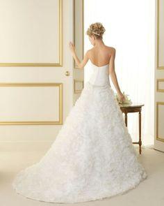 171 TOPACIO / Wedding Dresses / 2013 Collection / Luna Novias (back)