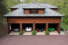 This beautifully restored carriage house in Tuxedo Park, NY offers the ultimate dream garage for any Porsche enthusiast and it's for sale. Garage Guest House, Barn Garage, Garage Plans, Garage Workshop, Dream Garage, Garage Ideas, Garage Shop, Ultimate Garage, Car Barn