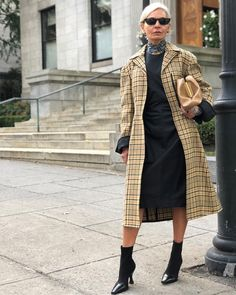 My Style Rules: Grece Ghanem Older Women Fashion, Over 50 Womens Fashion, Fashion Over 50, Fashion Tips For Women, Fashion Advice, Women's Fashion, Fashion Ideas, Fashion Styles, Street Fashion