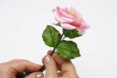 Arranjo de flores de biscuit - Portal de Artesanato - O melhor site de artesanato com passo a passo gratuito