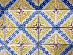 Kuvahaun tulos haulle azulejo blue yellow