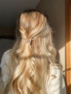 Pretty Hairstyles, Easy Hairstyles, Hair Inspo, Hair Inspiration, Blonde Hair Looks, Good Hair Day, Aesthetic Hair, Bad Hair, Gorgeous Hair