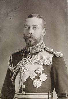 Le prince George de Galles, plus tard le roi George V (1865-1936) en uniforme de maréchal (1905, Royal Collection Trust, Royaume-Uni)
