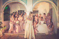 Bridemaid Dresses | Foto com as Madrinhas | Casamento | Wedding | Casamento morderno | Madrinha de Casamento | Vestido de Madrinha | Bridemaid | Madrinhas de rpsa | Madrinhas com Vestido da mesa Cor | Inesquecível Casamento