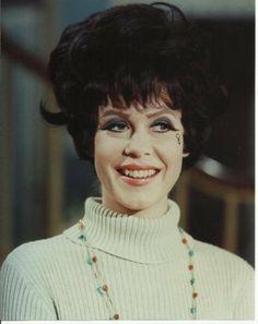 Bewitched Elizabeth Montgomery Big Smilewith Black Hair